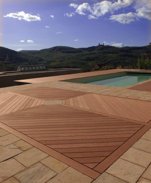 Terrasse à base de bois recyclé