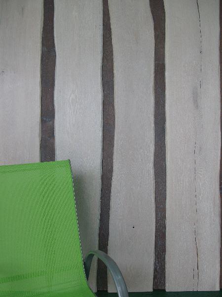 Un mur de bois brut