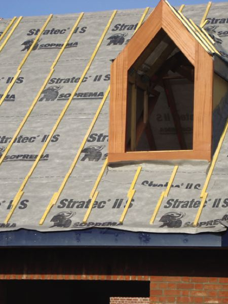 ecran de sous toiture et pare pluie pour maisons ossature bois la maison bois par maisons. Black Bedroom Furniture Sets. Home Design Ideas