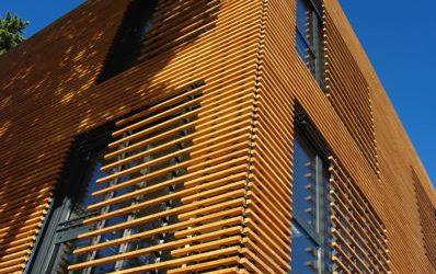 Le permis de construire ne peut être refusé pour utilisation du bois à l'extérieur