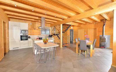 Maison à poteaux poutres pour chambres d'hôtes