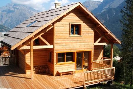 Boulot : chalets et maisons ossature bois à l'Argentière-la-Bessée dans les Hautes-Alpes