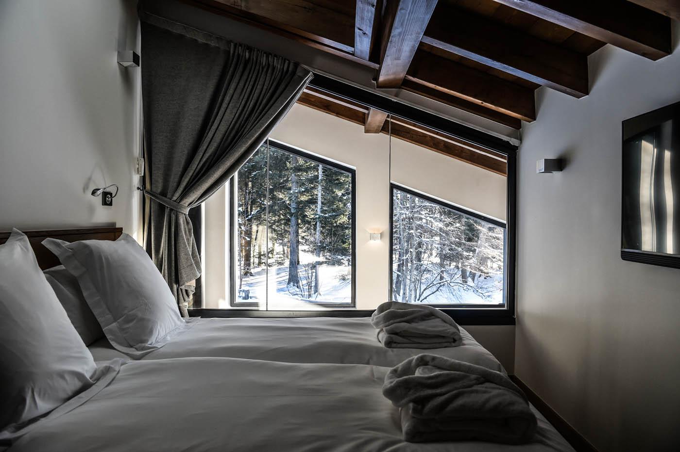 chalet bois avec vue sur les aiguilles de chamonix la maison bois par maisons. Black Bedroom Furniture Sets. Home Design Ideas