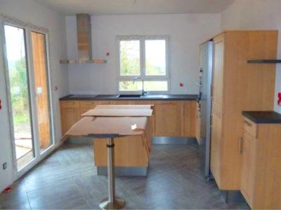 Maison bois sur un seul niveau la maison bois par for Cuisine ouverte vmc