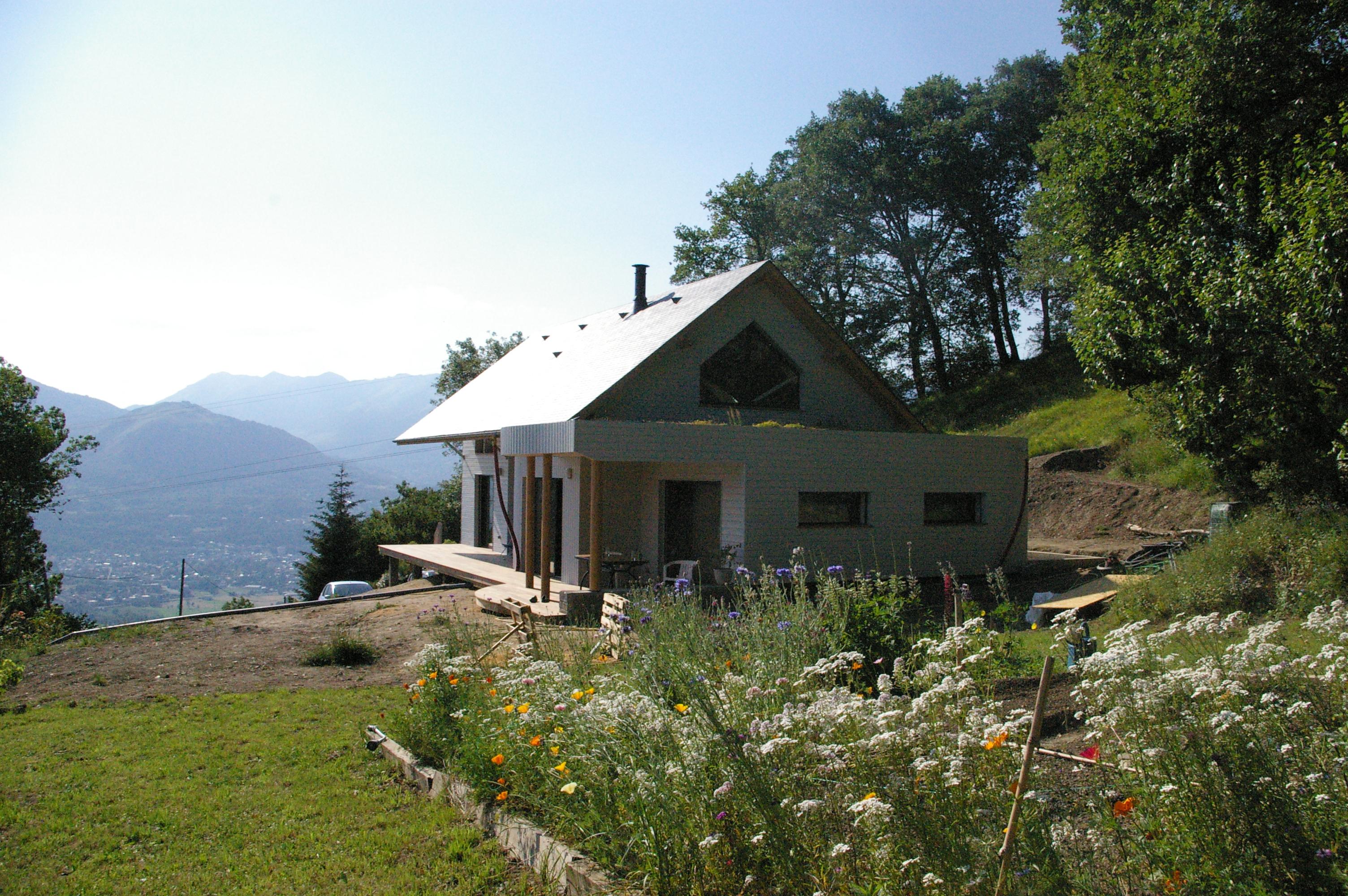 Maison d 39 habitation ossature bois sur terrain en pente for Piscine hors sol sur terrain en pente