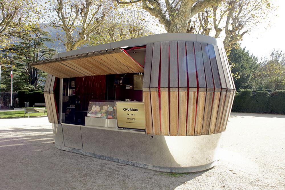 Kiosque à friandises à peau de bois