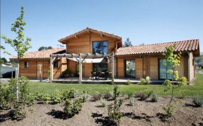 Maison à poteaux poutres en Aquitaine par Maison Bois Vallery