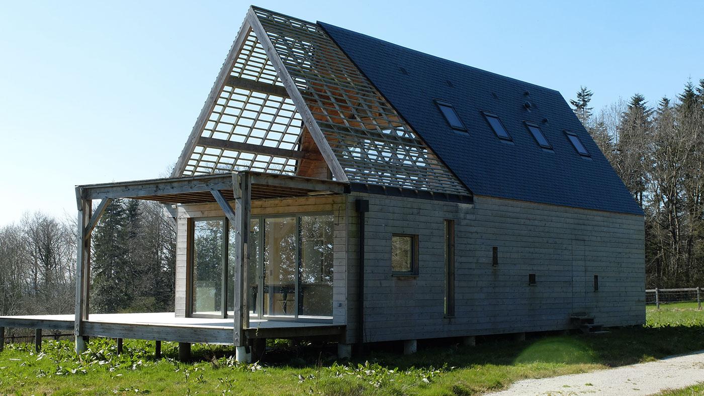 Maison bois de la butte par guillet sas la maison bois for La maison maison