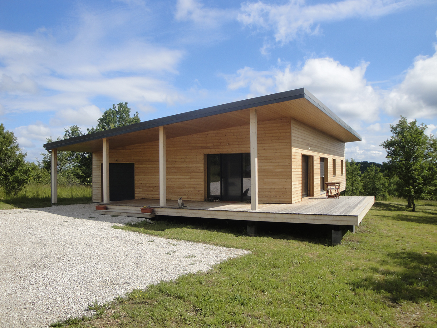 Maison contemporaine en ossature bois par evobois la for Construction contemporaine