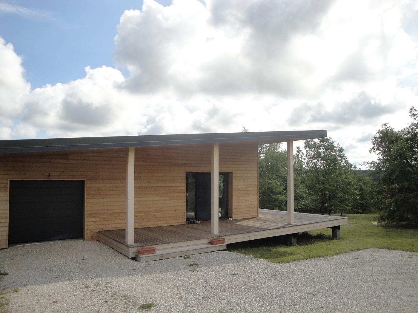 Maison contemporaine en ossature bois dans le Lot par Evobois - la maison bois par maisons-bois.com