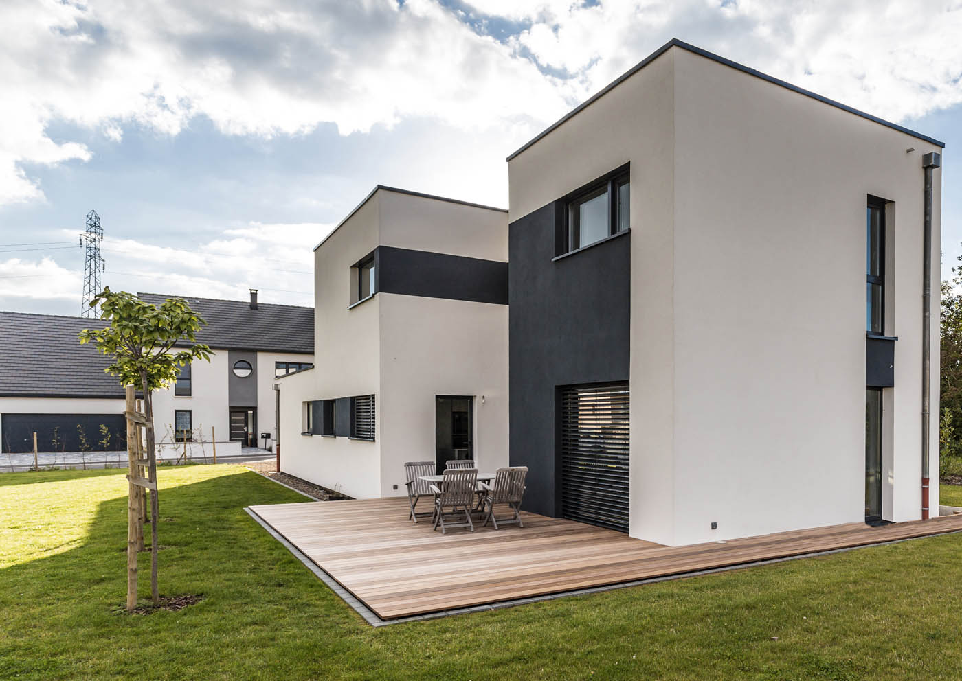 Maison design et performante ossature bois par innov for Design exterieur maison