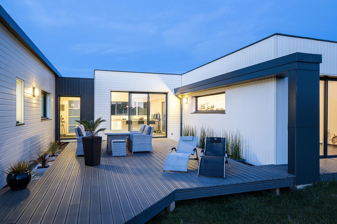 Maisons nature bois de style contemporain la maison for Jfr nature et bois