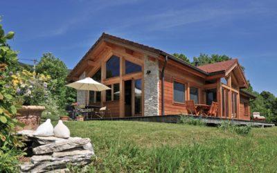 Maison à ossature bois intégrée au paysage du Vercors