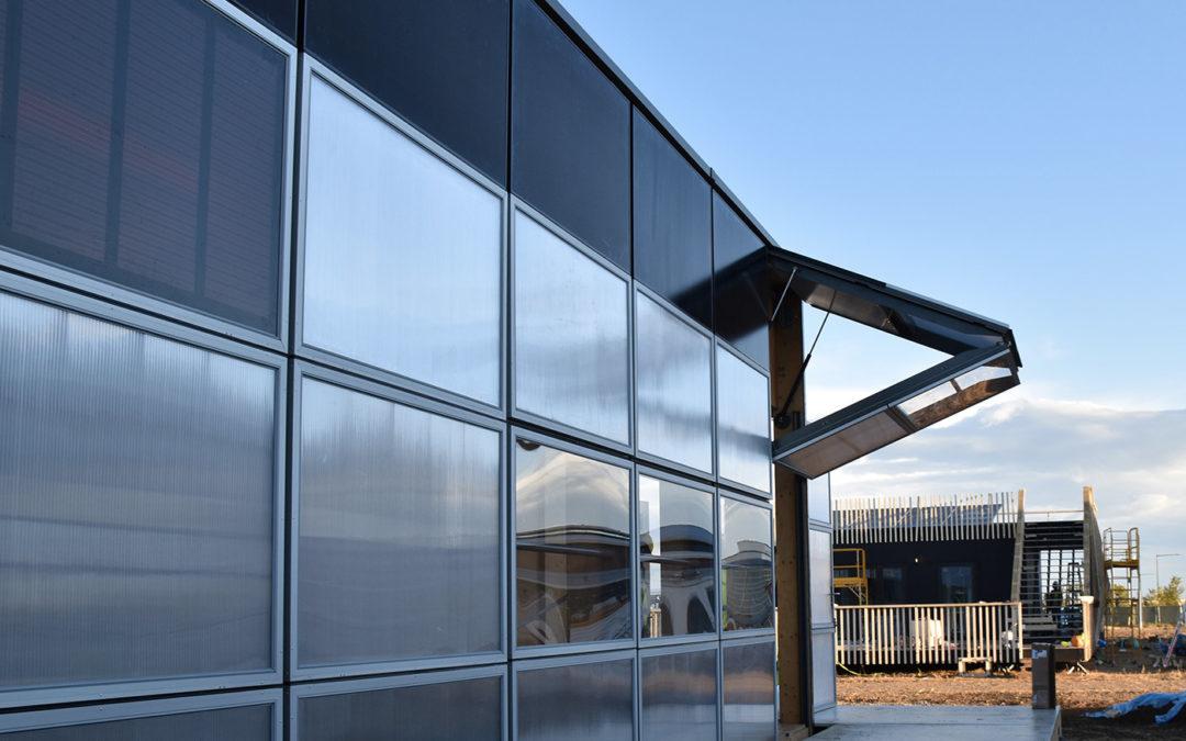 La maison solaire NeighborHub à structure bois de l'équipe suisse remporte le Solar Decathlon 2017