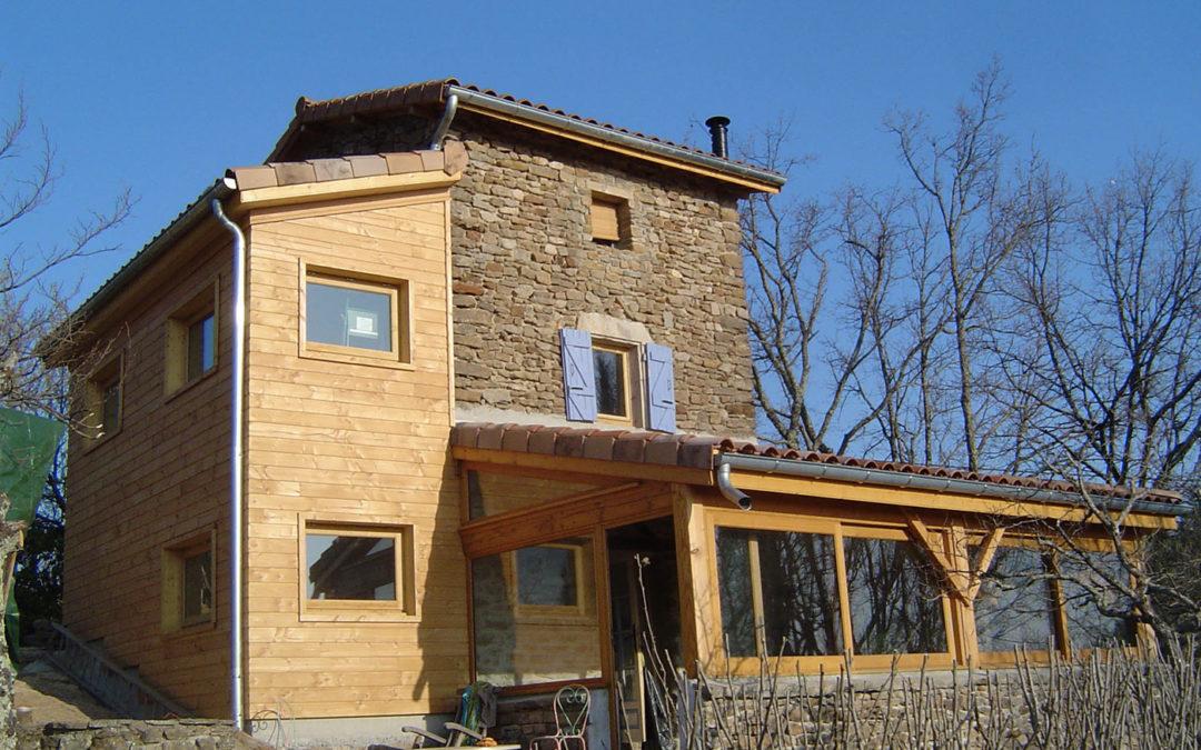 Tecknibois charpentier et constructeur de maisons ossature bois en Ardèche