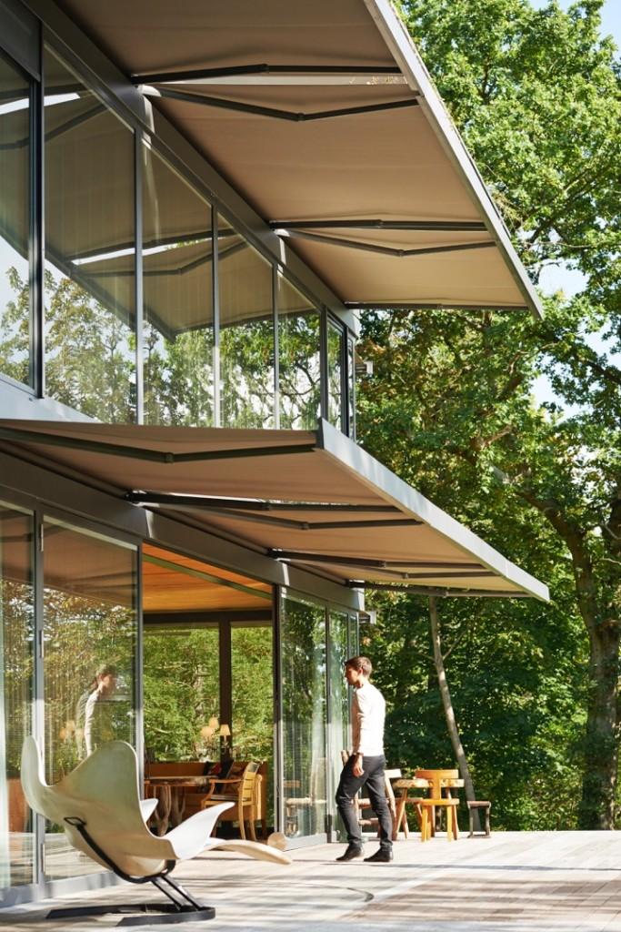philippe starck et riko lancent path une gamme de maisons bois et verre pr fabriqu es la. Black Bedroom Furniture Sets. Home Design Ideas