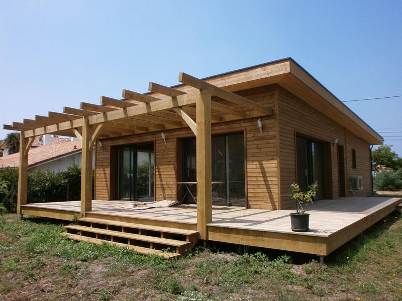 Maison Bois Vallery utilise le Pin des Landes pour la charpente et l'ossature des murs de ses maisons bois