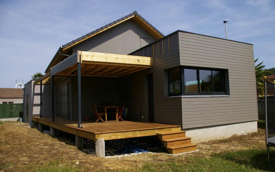 Maison à ossature bois type caissons selon Yves Laborde dans les Pyrénées-Atlantiques (64)