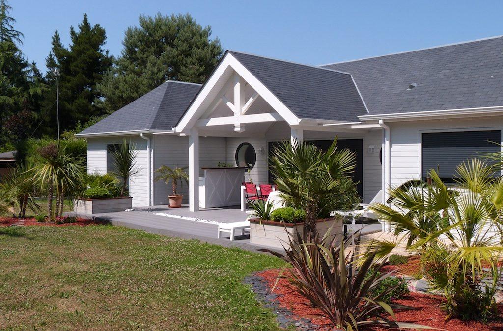 Maison bois d'inspiration balnéaire en Loire-Atlantique par Sweetwood Homes