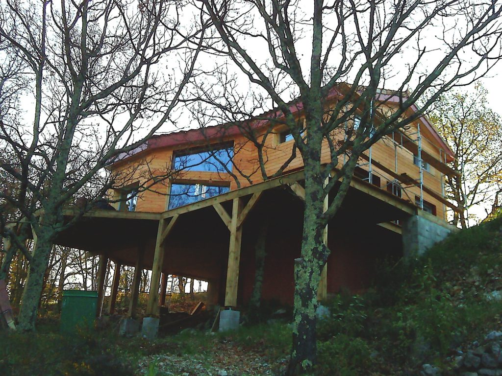 Tecknibois constructeur bois et charpentier en ard che for Constructeur maison ardeche sud