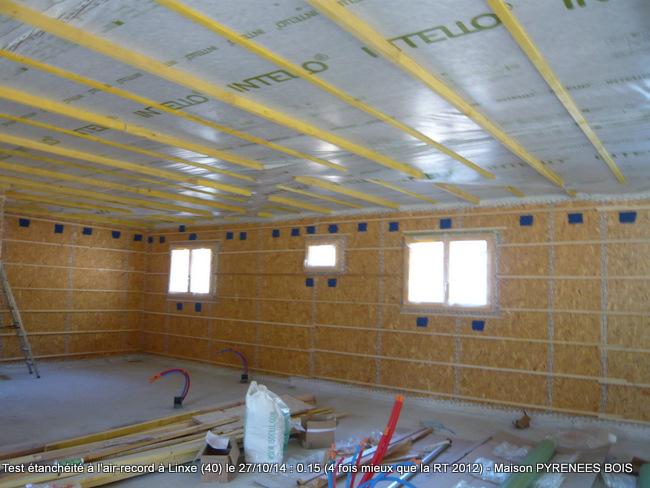 Une maison bois dont l'étanchéité à l'air dépasse les exigences réglementaires