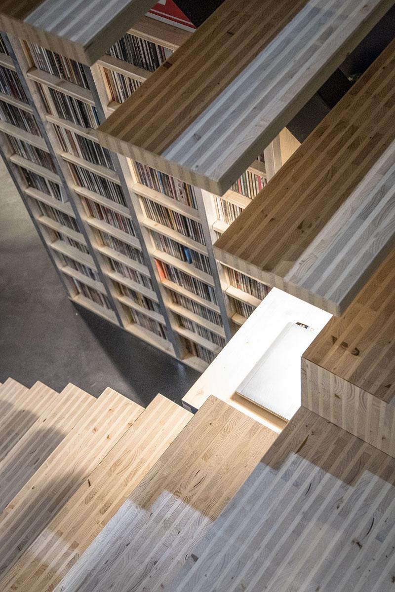 Nouveau panneau bois graphique YD-WOODS N°1 de Ducerf Groupe designé par Sylvain Hardy