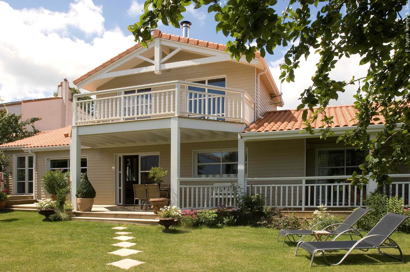 Maison avec balcon terrasse bruges t en tres bon etat de for Maison avec balcon